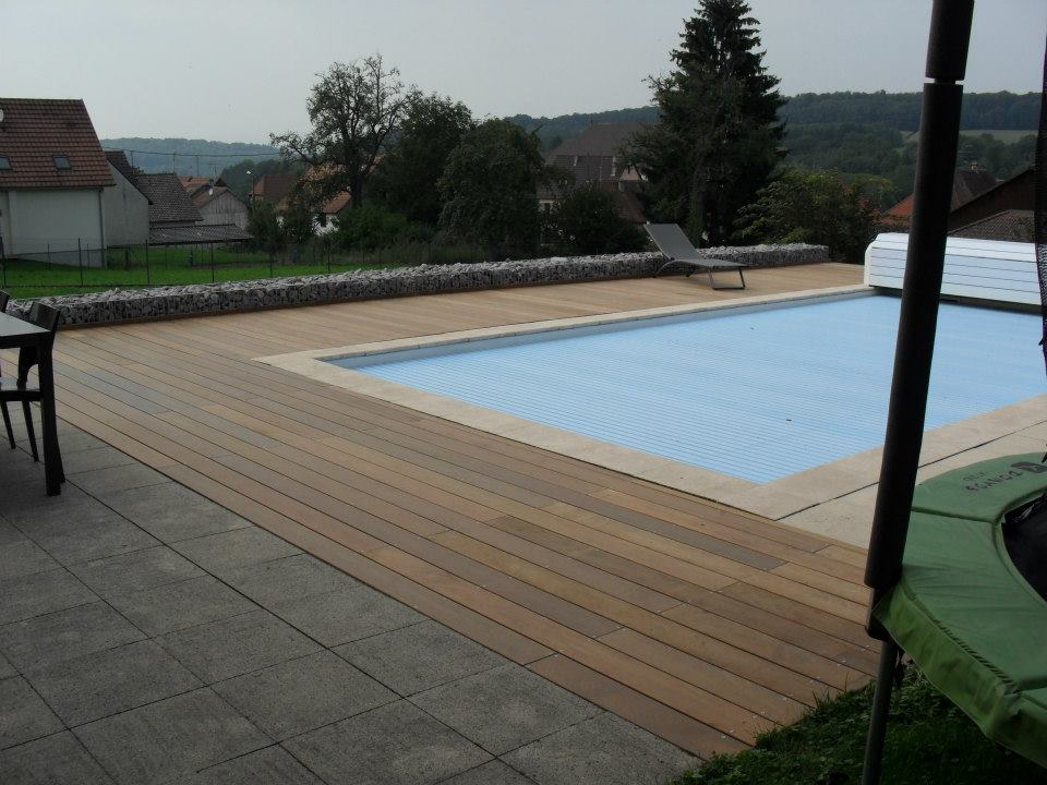 excellent terrasse bartenheim entreprise piscine bois sierentz with terrasse bois sur carrelage. Black Bedroom Furniture Sets. Home Design Ideas