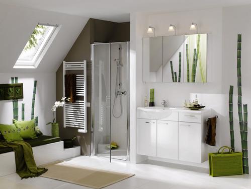 r nover sa salle de bain d co et tendances pour la baignoire la douche et le mobilier de. Black Bedroom Furniture Sets. Home Design Ideas