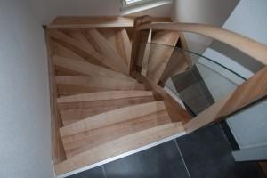 entreprise escalier pour maison en bois sur mesure spittler menuiserie bois sierentz haut rhin 68 - Nos artisans ont du Talent