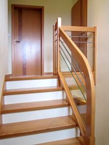 escalier de maison en bois sur spittler menuiserie bois sierentz haut rhin 68 - Nos artisans ont du Talent