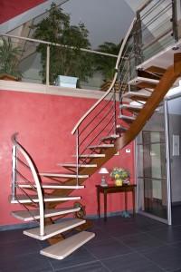 escalier suspendu maison en bois spittler menuiserie bois sierentz haut rhin 68 - Nos artisans ont du Talent
