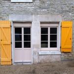 porte d'entrée et fenêtre aube