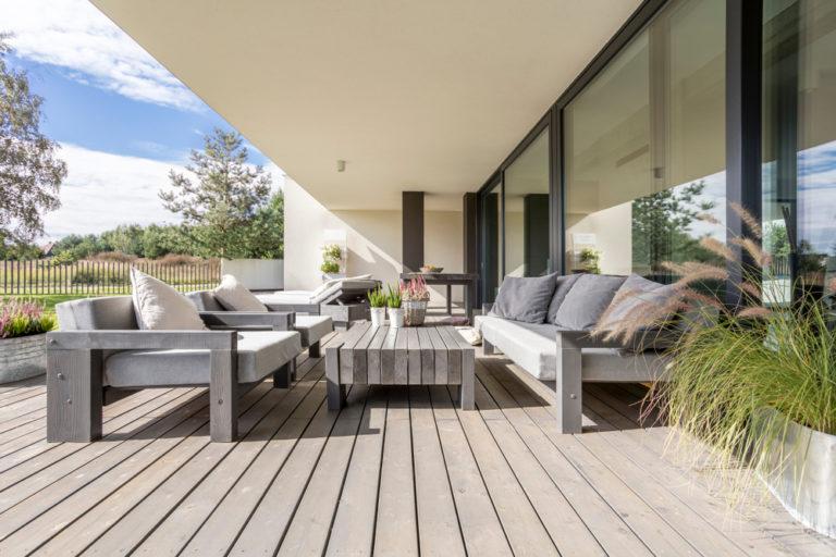 installation terrasse bois exterieure